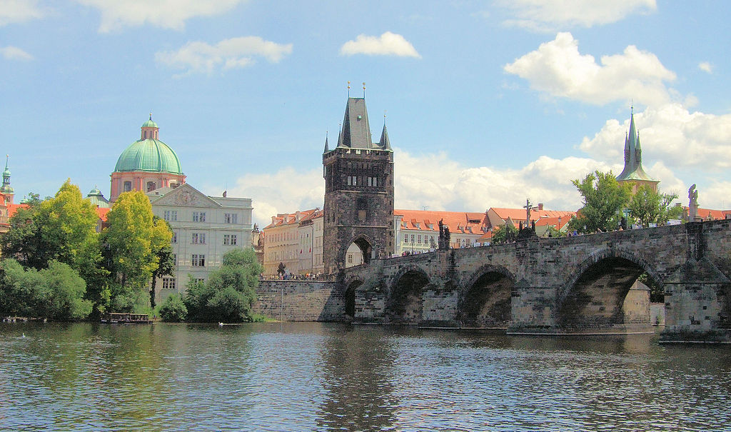 Charles Bridge by Jim Linwood (cc)